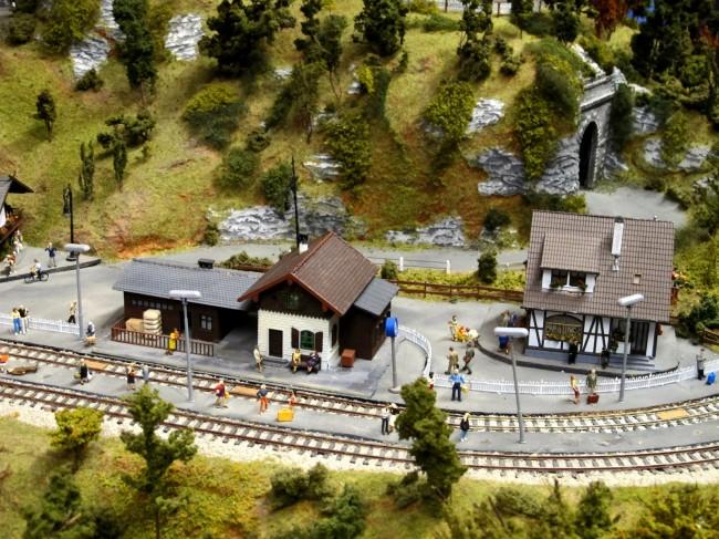 maquette gare modèle réduit circuit train milan