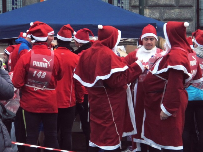 Noël milan course déguisée