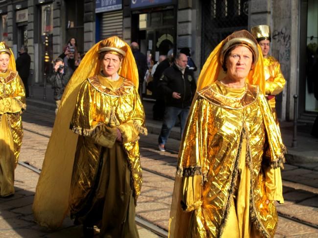 figurants défilé rois mages milan