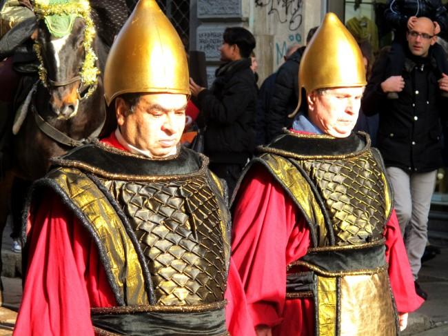 tradition défilé rois mages italie
