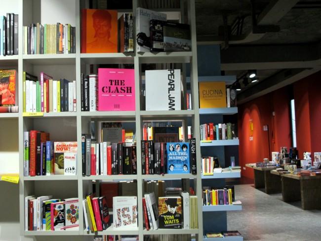 librairie bar wifi milan
