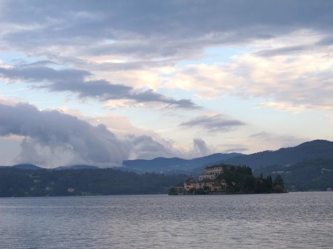 ciel nuageux lac